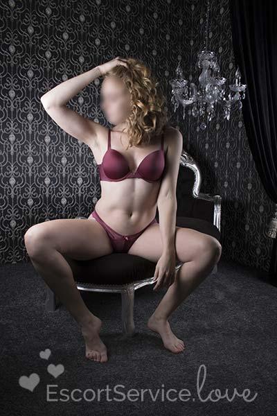 Klassieke schoonheid escort dame Mijke