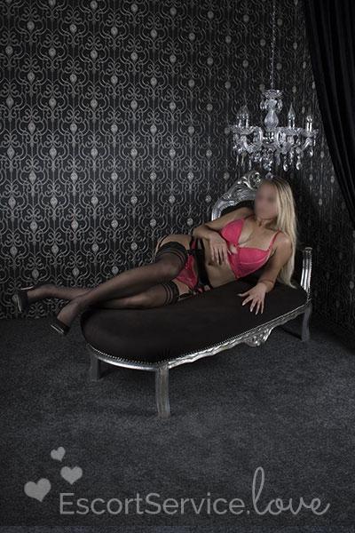Verleidelijke Blondine Escort Eve